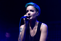 Halsey live at Newark Prudential Center 06.29.15